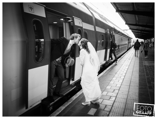 bruidsfotografie op school in Goes_692