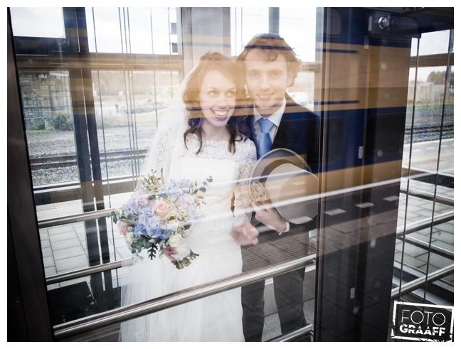 bruidsfotografie op school in Goes_693