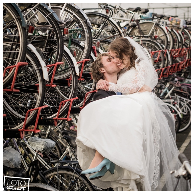 bruidsfotografie op school in Goes_712