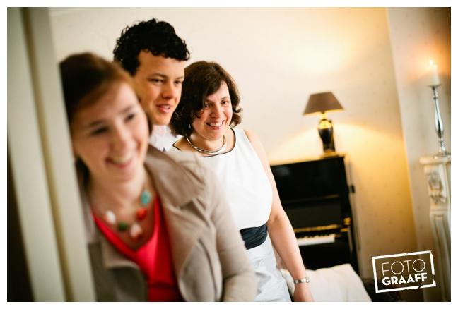 Bruidsfotografie in Dordrecht en feest In de skybar bij Hotel van der Valk Dordrecht_1045