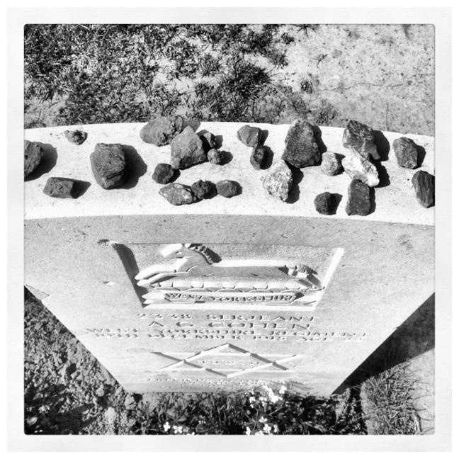 Joods graf Ieper mer steentjes