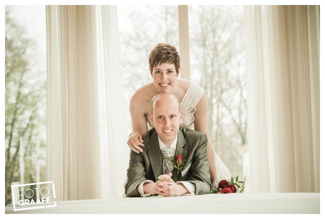 Bruidsfotografie en huwelijk in Kasteel de Vanenburg_1199