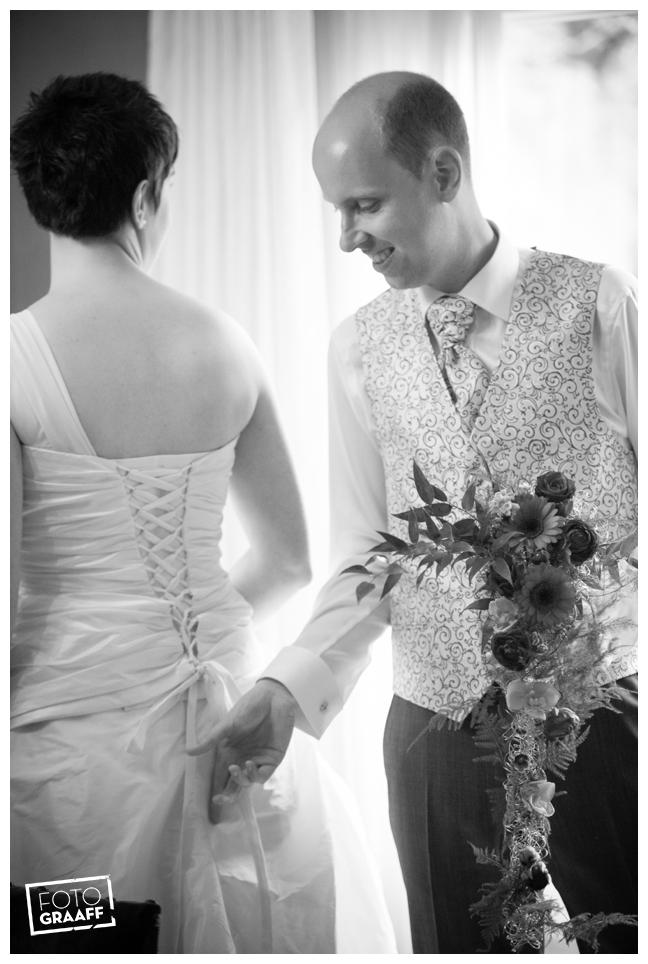 Bruidsfotografie en huwelijk in Kasteel de Vanenburg_1203