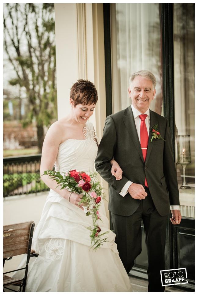 Bruidsfotografie en huwelijk in Kasteel de Vanenburg_1206