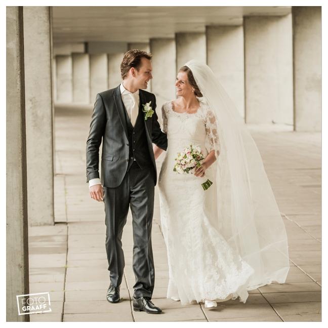 Huwelijk in Oud Beijerland Geert en Andrea en feest in Hotel Ara_0174
