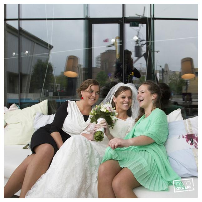 Huwelijk in Oud Beijerland Geert en Andrea en feest in Hotel Ara_0179