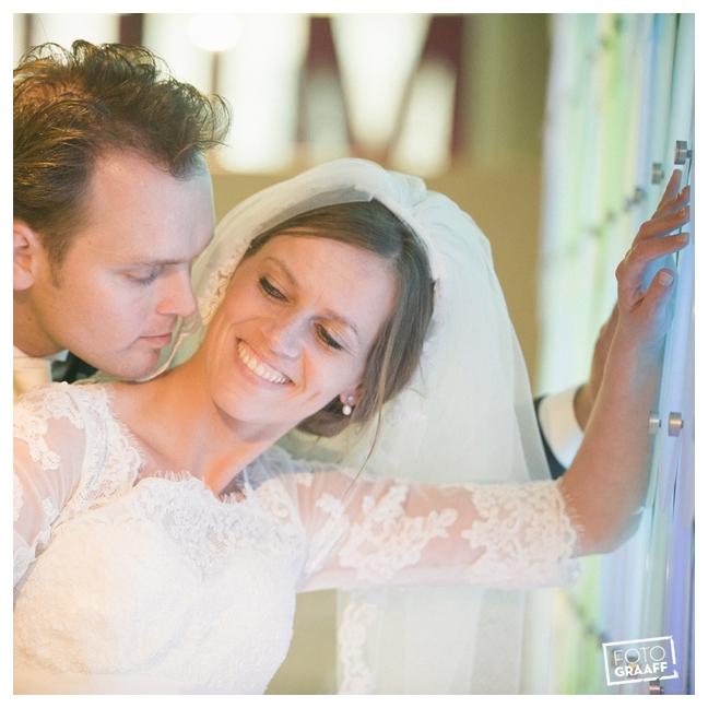 Huwelijk in Oud Beijerland Geert en Andrea en feest in Hotel Ara_0195