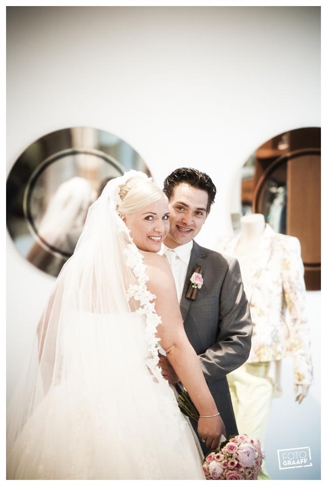 Huwelijk in Oud Beijerland van Harry en Lizzy_0081