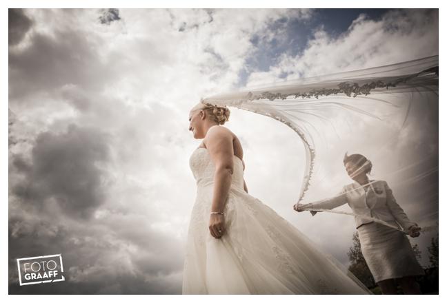 Huwelijk in Oud Beijerland van Harry en Lizzy_0096