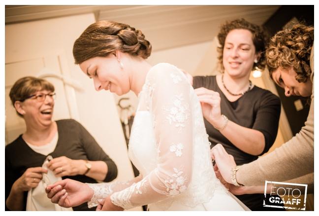 bruidsfotografie in Leerdam en feest in Hotel Ara_510