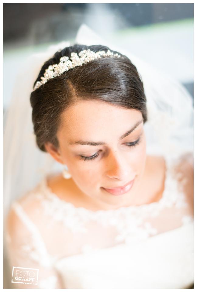 bruidsfotografie in Leerdam en feest in Hotel Ara_513