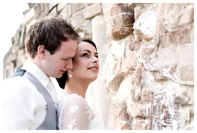 bruidsfotografie in Leerdam en feest in Hotel Ara_517