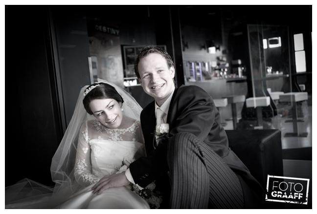 bruidsfotografie in Leerdam en feest in Hotel Ara_520