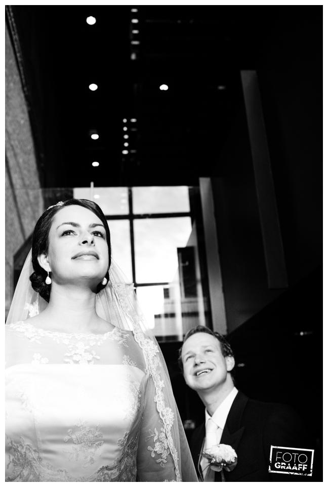 bruidsfotografie in Leerdam en feest in Hotel Ara_522