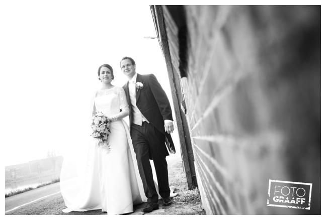 bruidsfotografie in Leerdam en feest in Hotel Ara_529