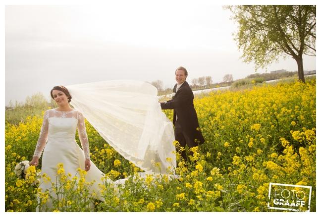 bruidsfotografie in Leerdam en feest in Hotel Ara_536