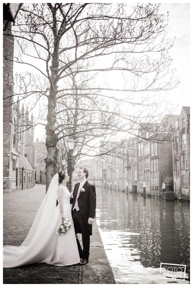 bruidsfotografie in Leerdam en feest in Hotel Ara_539